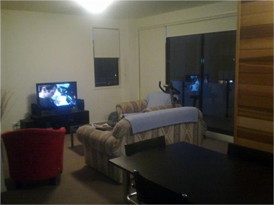 ROOM FOR RENT:KENSINGTON very close to Victoria Uni, Melb Uni and RMIT