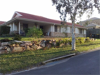Nice Home for Student in Brisbane..Female Only..free airport pickup