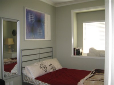 Furnished Single Room with private full bath for Homestay Students -