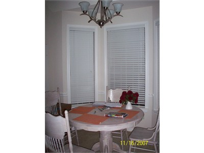 EXCELLENT place to stay in Houston with SHOPPING all around!!