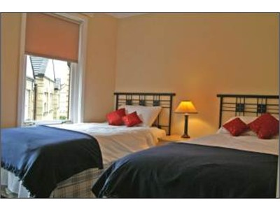 Lovely two double rooms available for rent