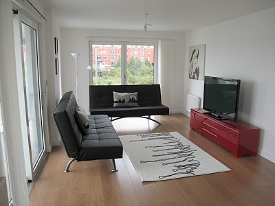 Charing Cross Road, next to both Soho and Covent Garden-2Mins walk