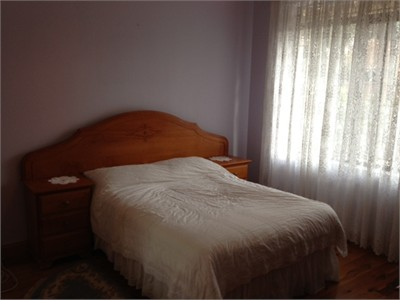 HOMESTAY FOR MALE STUDENT..12 MINUTES TO CITY, BREAKFAST ONLY