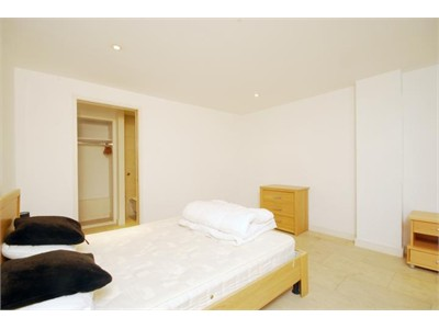 Ideal for professionals working in the city centre and students