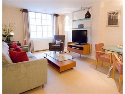 A CHARMING ONE BEDROOM FLAT TO RENT IN EDINBURGH CITY CENTER