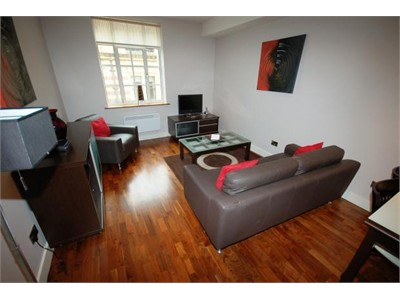 A LOVELY ONE BEDROOM FLAT IN EDINBURGH CITY CENTER