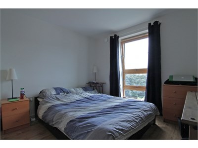 Double bedroom come en suite each room is 100 per week all bils inc