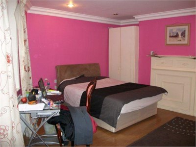 Two bedroom flatshare in an enviable location in the very centre