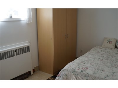 Clean and furnished room for rent in Mississauga, close to everything!