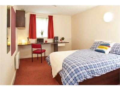 Victoria Hall - 5 minutes to Northumbria, 10 to Newcastle University.