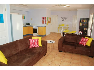 Cairns Sharehouse - Clean, central & budget friendly student accom