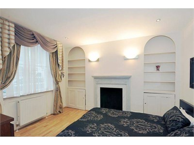 Two rooms in a modern flat just off Gower st near UCL, SOAS, LSE