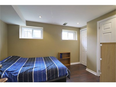 Cawthra and Lakeshore - 2 rooms available