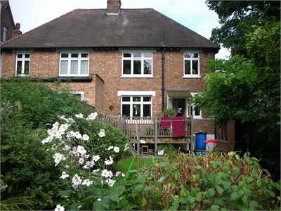 Quiet house & suburb within easy reach of Central London.